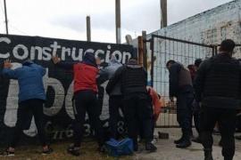 14 jóvenes demorados por un partido de fútbol clandestino