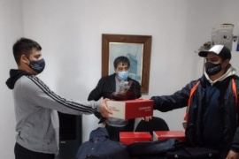 Personal del vertedero municipal de Caleta Olivia recibió indumentaria de trabajo