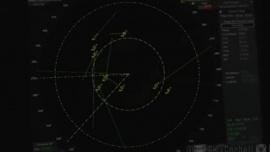 Avistaron 14 OVNIs rodeando un buque militar: el Pentágono certificó el video