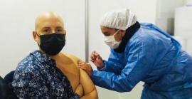 La emoción de José María Muscari al vacunarse contra el coronavirus