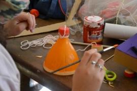 Niñez trabaja con la promoción de los derechos mediante talleres de manualidades