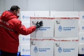 Vacunas para Argentina: hoy llegan 811.000 Astrazeneca desde México y el lunes 934.200 desde EEUU