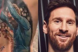 Lionel Messi le cumplió el sueño a un fanático brasileño y le firmó el tatuaje de la espalda