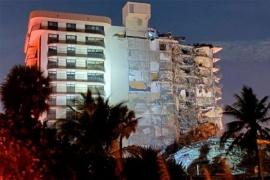 Se derrumbó un edificio en Miami y buscan a personas entre los escombros