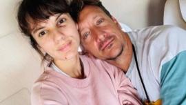 Nico Vázquez y Gimena Accardi volvieron al país después del derrumbe en Miami