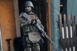 Secuestraron armas, autos y municiones durante un operativo por robo