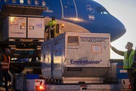 Arribaron hoy otras 768 mil dosis de Sinopharm en el cuarto de los 10 vuelos previstos para julio