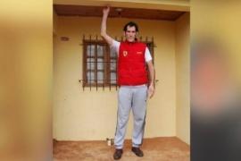 El hombre más alto del país: tiene 35 años y necesita inyecciones carísimas