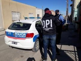 Allanamientos y detención por robos agravados con uso de arma de fuego