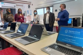 Se lanzó las capacitaciones de ofimática básica y reparación de PC con validez nacional en el Aula Taller Móvil