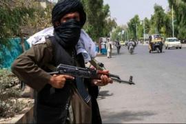 Muestran imágenes de los talibanes matando civiles en Afganistán