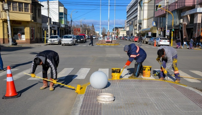Renovations continue on Avenida San Martín.