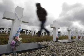 Islas Malvinas: identificaron cuatro soldados argentinos enterrados en el cementerio de Darwin