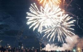 Aniversario Río Gallegos: vecinos debaten por los fuegos artificiales