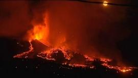 Impresionantes imágenes del volcán en Canarias que lleva arrasadas 154 hectáreas
