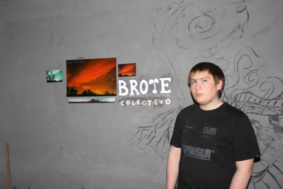 """Adrián manifestó: """"En Brote Colectivo nos encargamos de darle un espacio a los grupos artísticos de Santa Cruz, donde podrán exponer lo que hacen""""."""