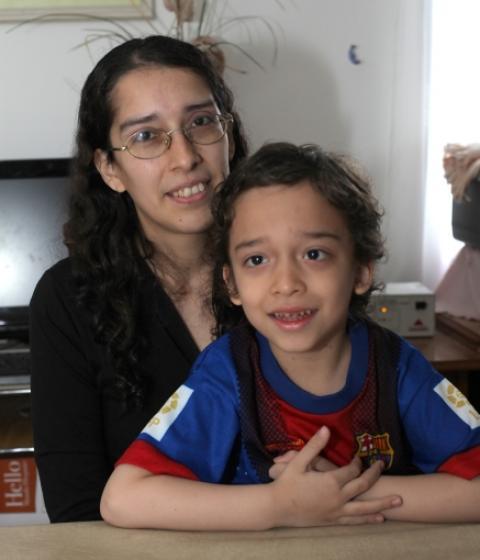 Paula Alvarez y el pequeño David Kochalski. (Foto H.C.)