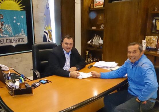 Javier Belloni realizo aporte para el Club Lago Argentino
