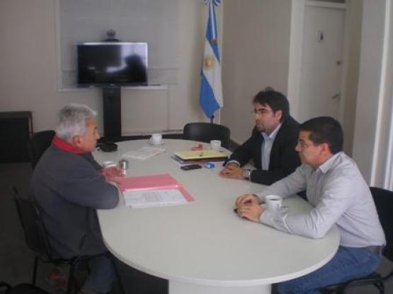 Diputado Sotomayor y comisionado de Fomento de Koluel Kaike se reunieron con el ministro de Salud