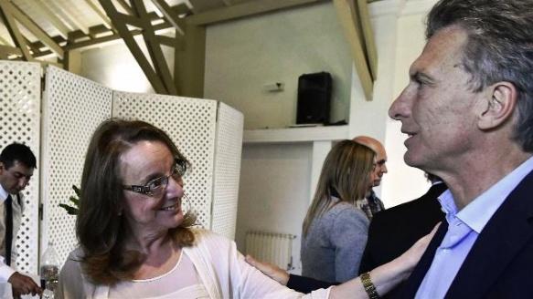 Alicia Kirchner y Macri, en una reunión en la quinta de Olivos (Foto: Archivo La Nación)