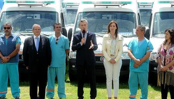 Entrega de ambulancias en la provincia de Buenos Aires