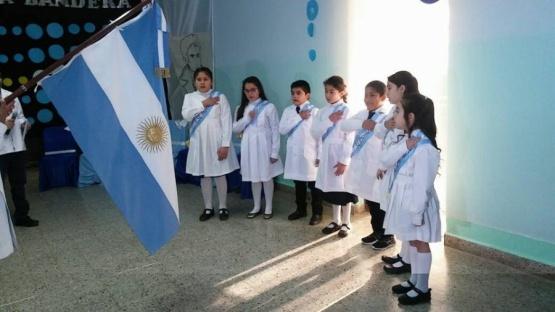 Acto Día de la Bandera en Jaramillo