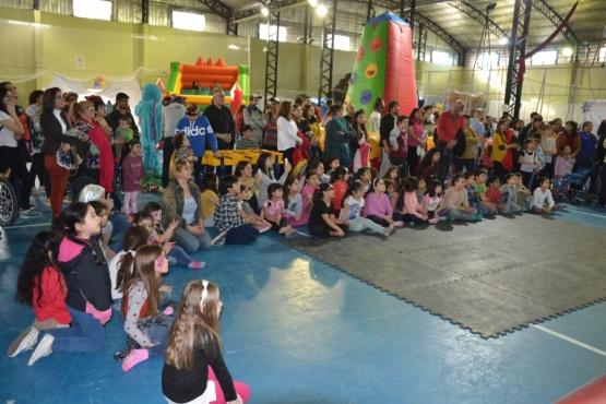 Cientos niños disfrutaron del agasajo por su día