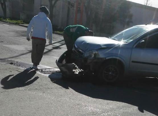 Choque sin lesionados en calle San Martín