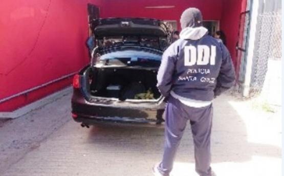 Encuentran auto que atropelló a menor